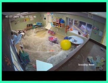 Video shows the moment a day care flooded during storms (Wentzville, MO, USA / May 27, 2021)